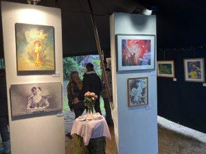 Foto der Kunstausstellung im Rahmen der Heidekultour Eindrücke aus dem  Event bei Sara Heinrich 2021